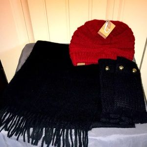 EUC Michael Kors gloves with scarf and beanie